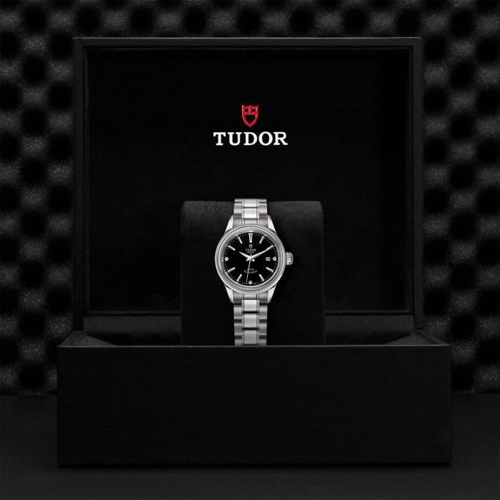 Tudor Style M12100-0004