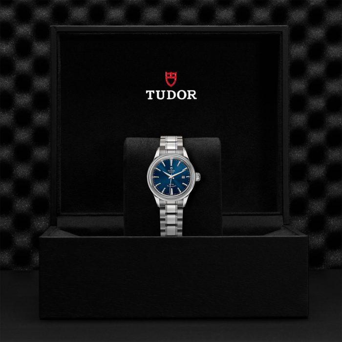 Tudor Style M12100-0009