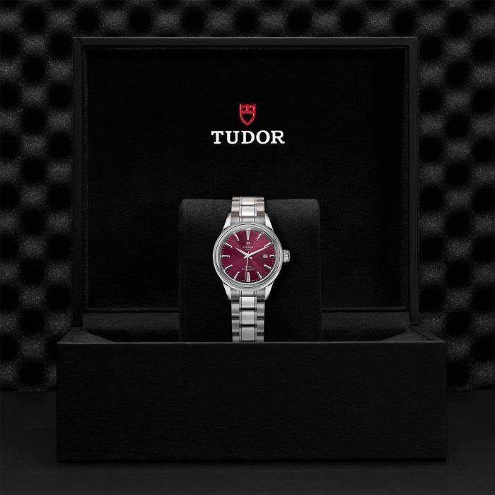 Tudor Style M12100-0011