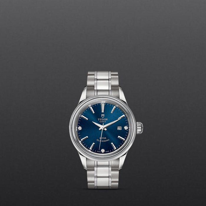 Tudor Style M12100-0013