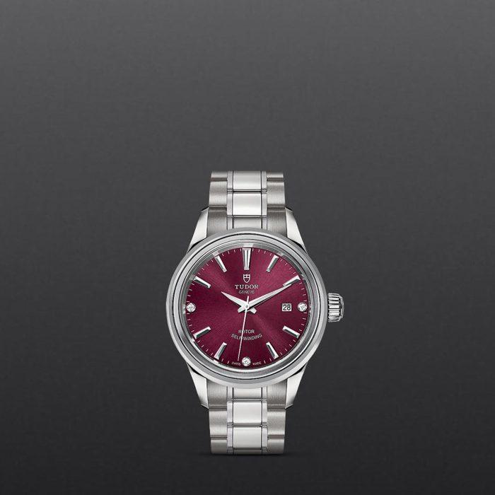 Tudor Style M12100-0015