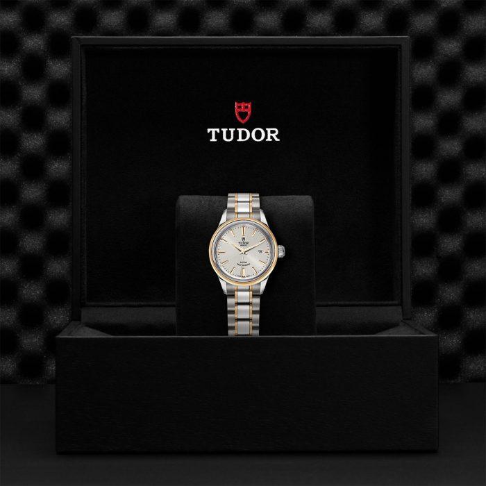 Tudor Style M12103-0002