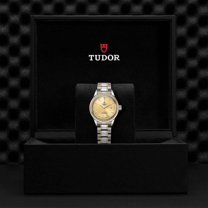 Tudor Style M12103-0004