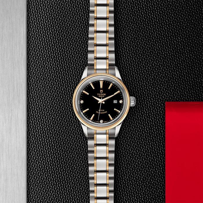 Tudor Style M12103-0006