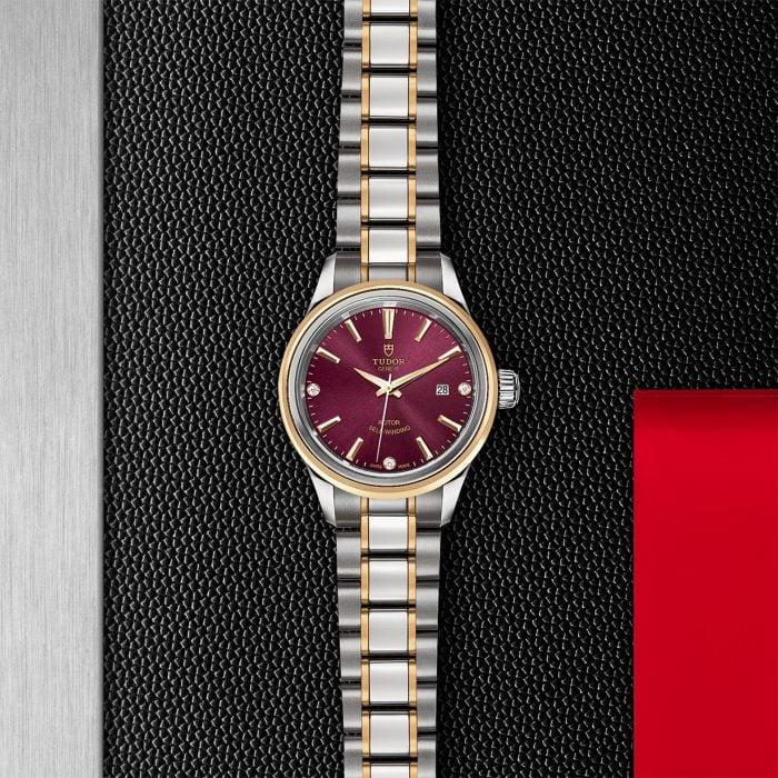 Tudor Style M12103-0015
