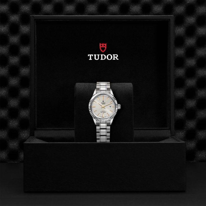 Tudor Style M12110-0005
