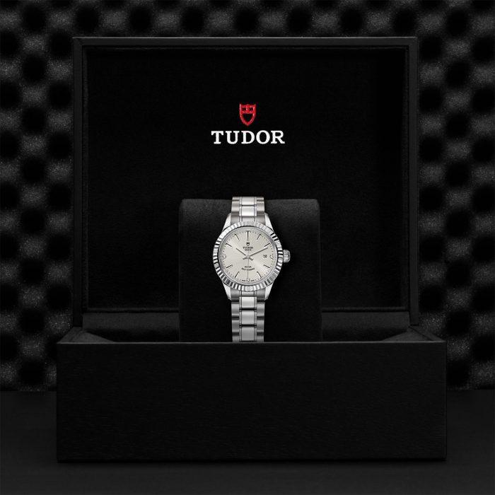Tudor Style M12110-0007