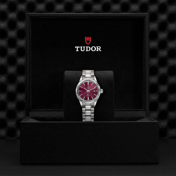 Tudor Style M12110-0015