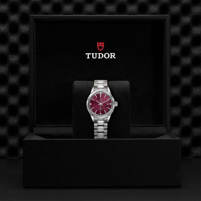 Tudor Style M12110-0019