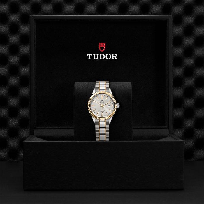 Tudor Style M12113-0003