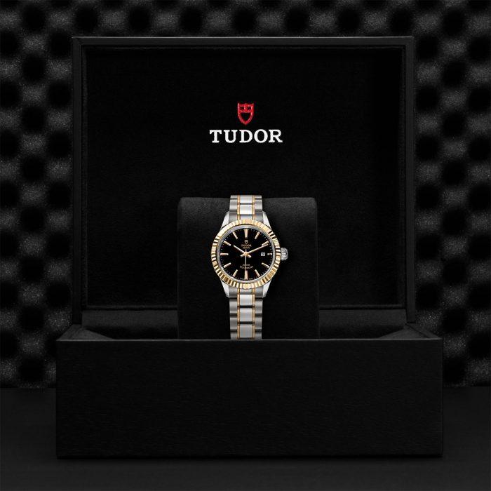 Tudor Style M12113-0005