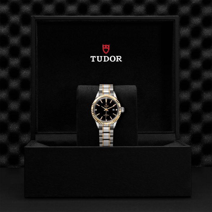 Tudor Style M12113-0011