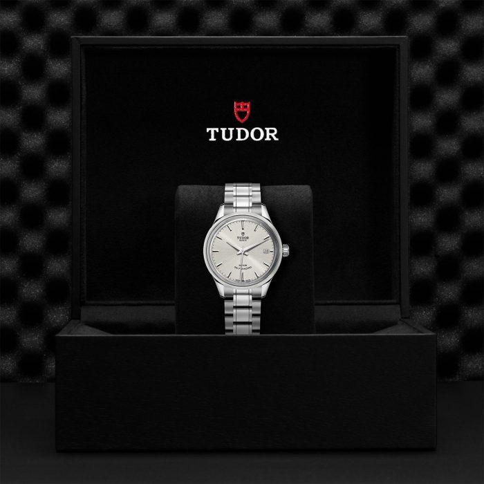 Tudor Style M12300-0001