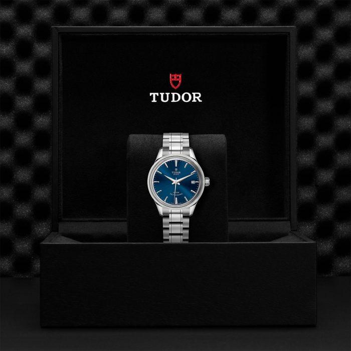 Tudor Style M12300-0009