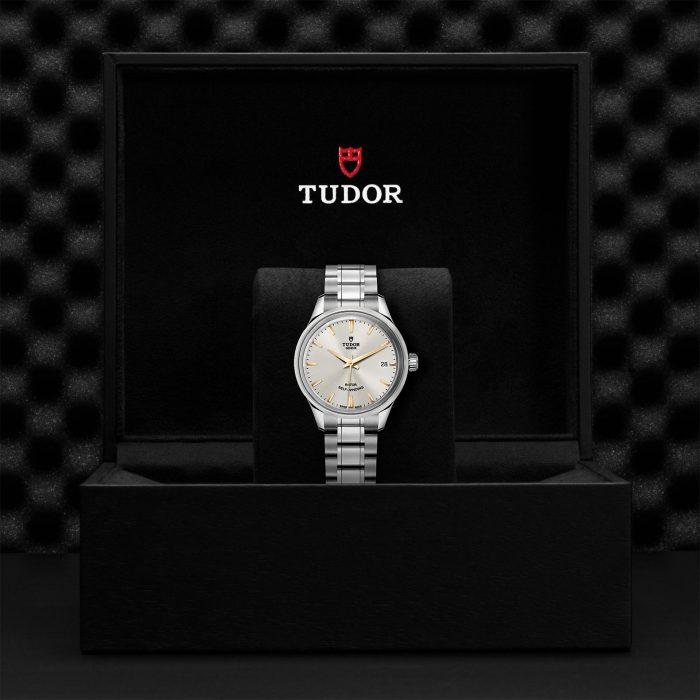 Tudor Style M12300-0017