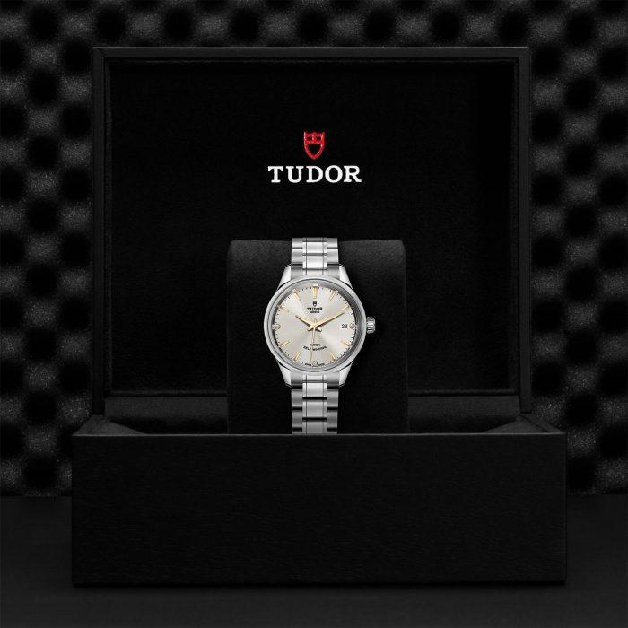 Tudor Style M12300-0019