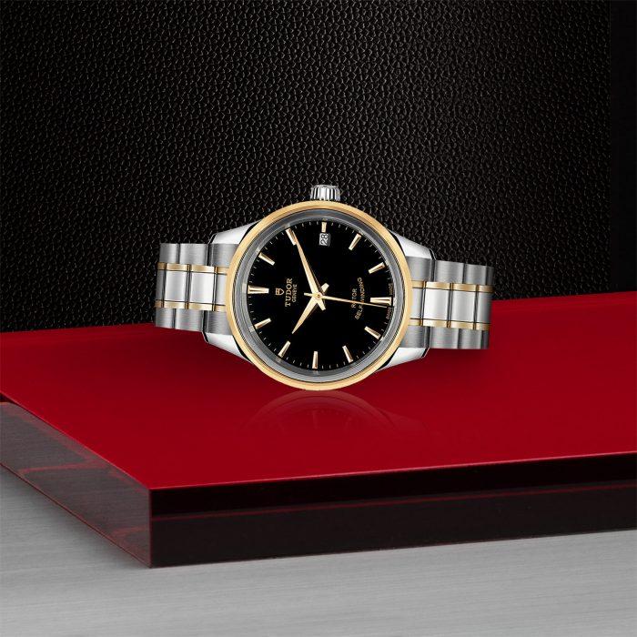 Tudor Style M12303-0003