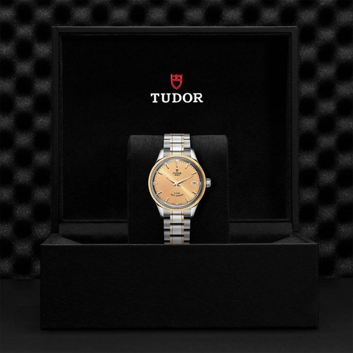 Tudor Style M12303-0004