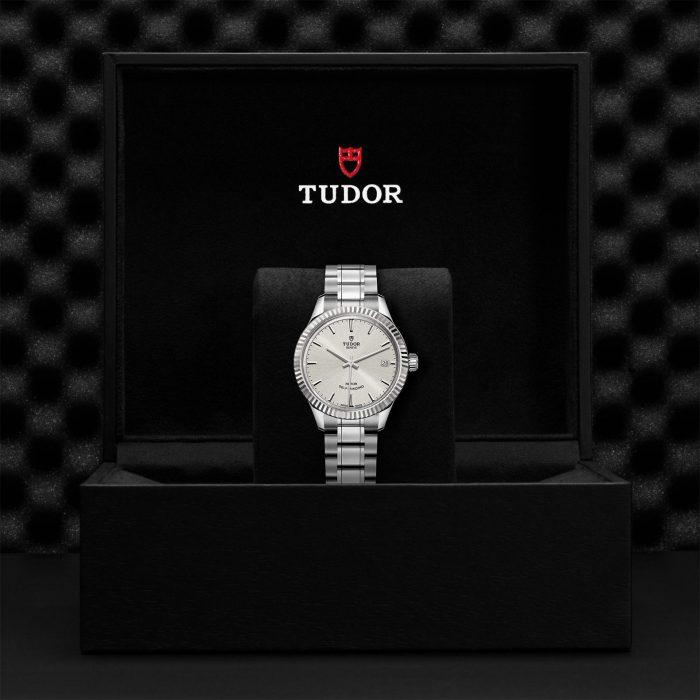 Tudor Style M12310-0001