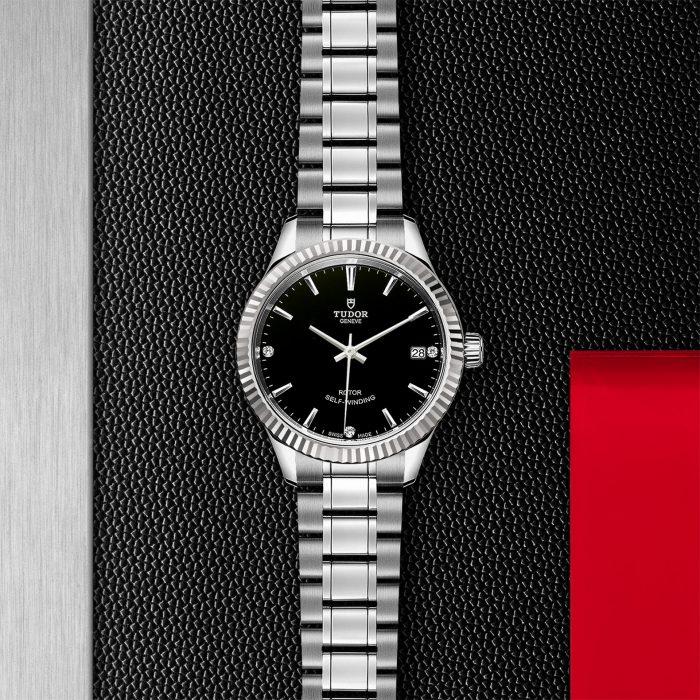 Tudor Style M12310-0009
