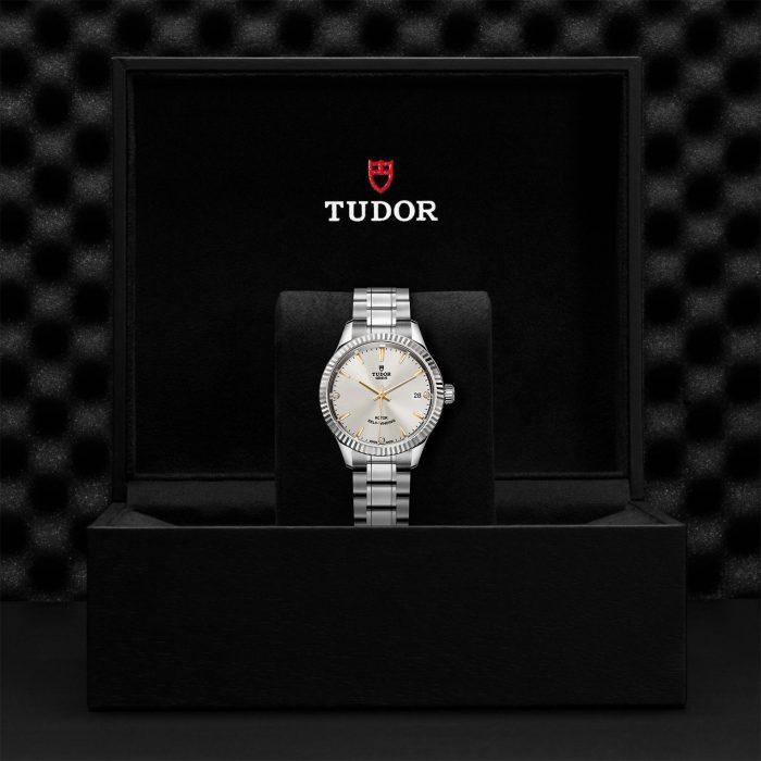Tudor Style M12310-0011