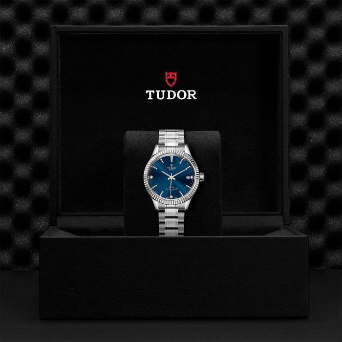 Tudor Style M12310-0017