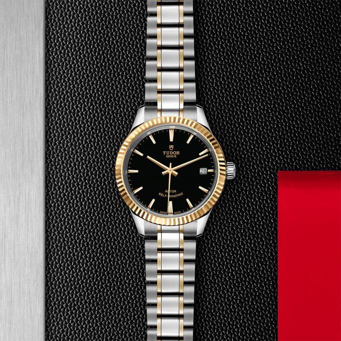 Tudor Style M12313-0005