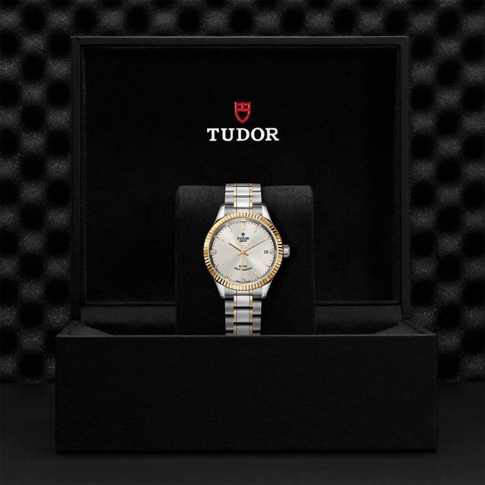 Tudor Style M12313-0009