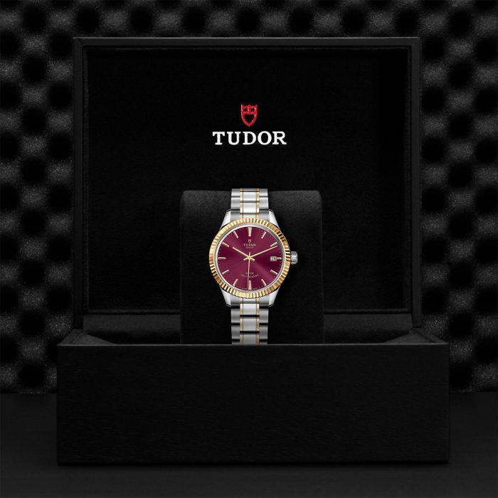 Tudor Style M12313-0013