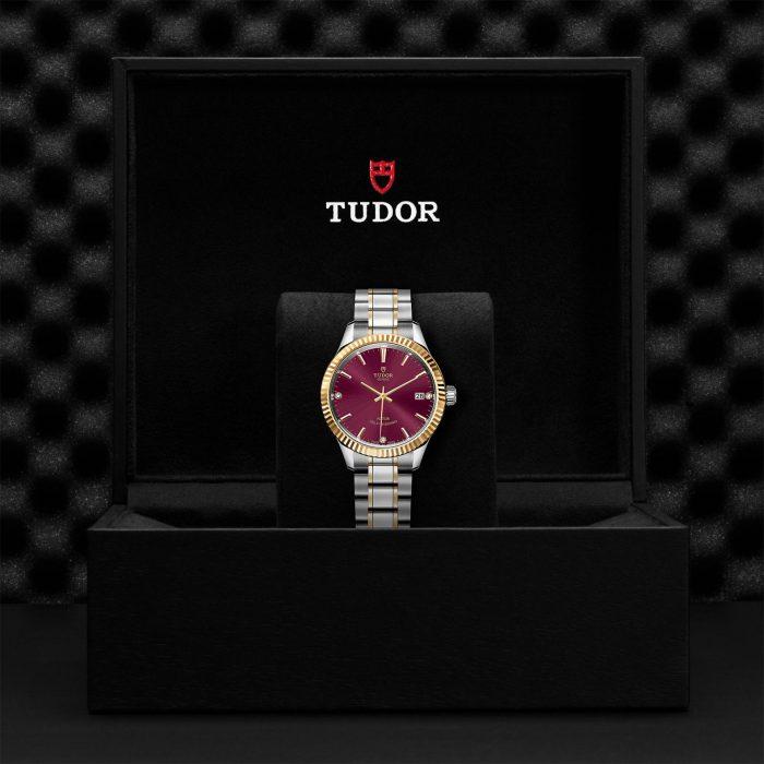 Tudor Style M12313-0015