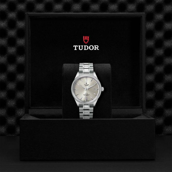Tudor Style M12500-0001