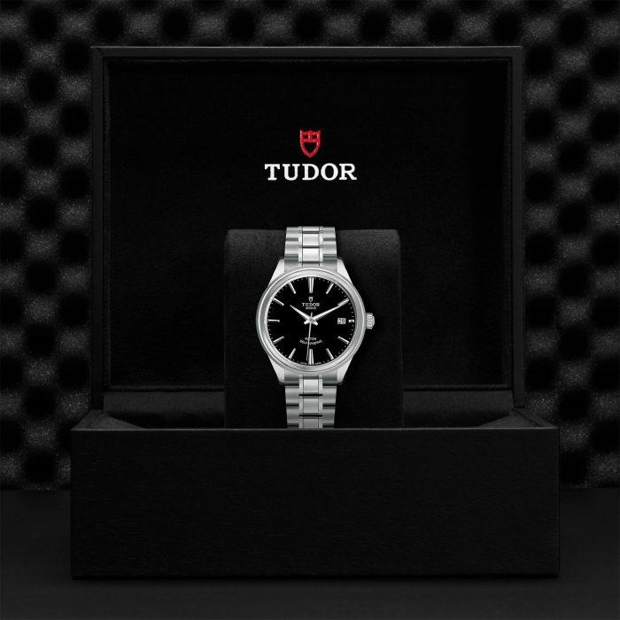 Tudor Style M12500-0002