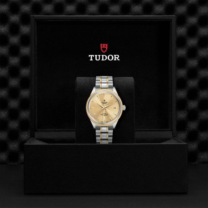 Tudor Style M12503-0001