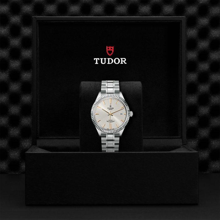 Tudor Style M12510-0005