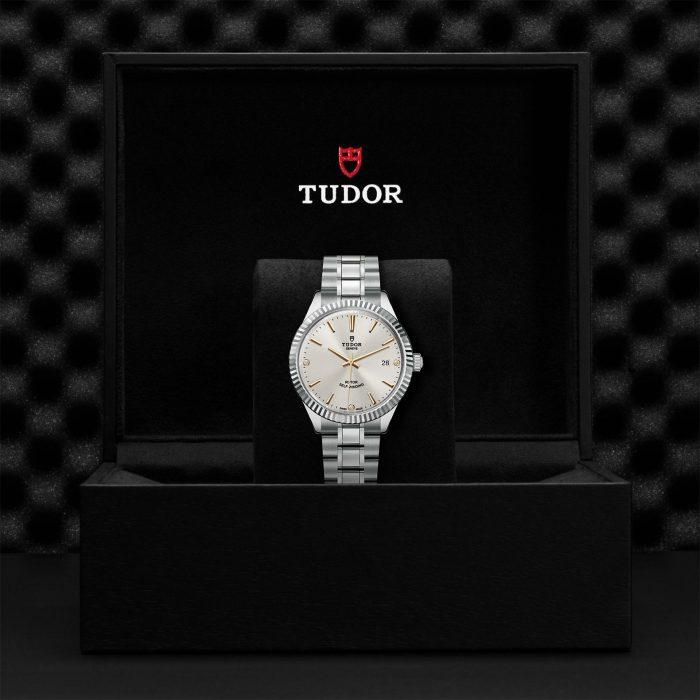 Tudor Style M12510-0011