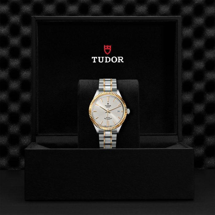 Tudor Style M12513-0003