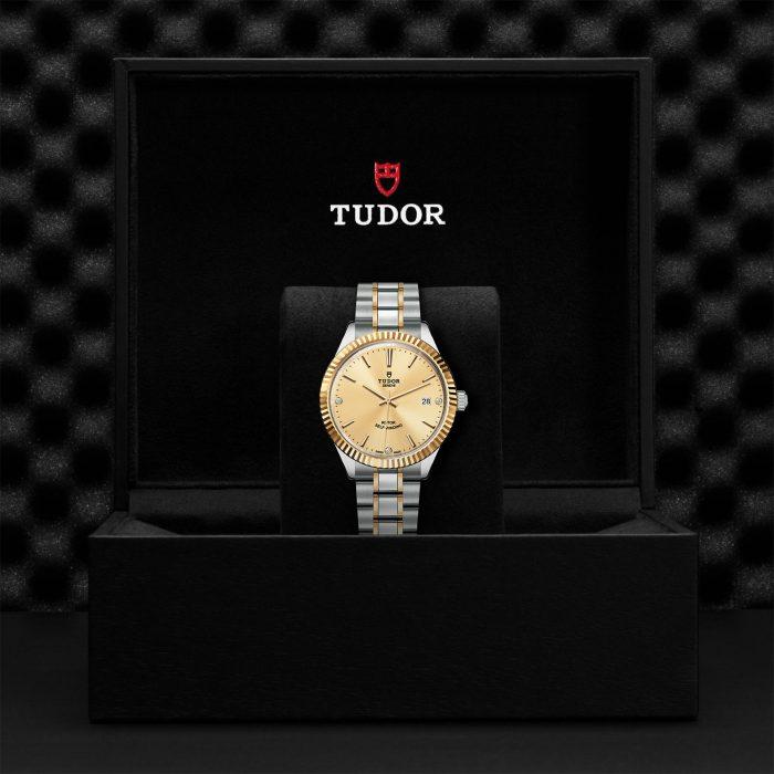 Tudor Style M12513-0007
