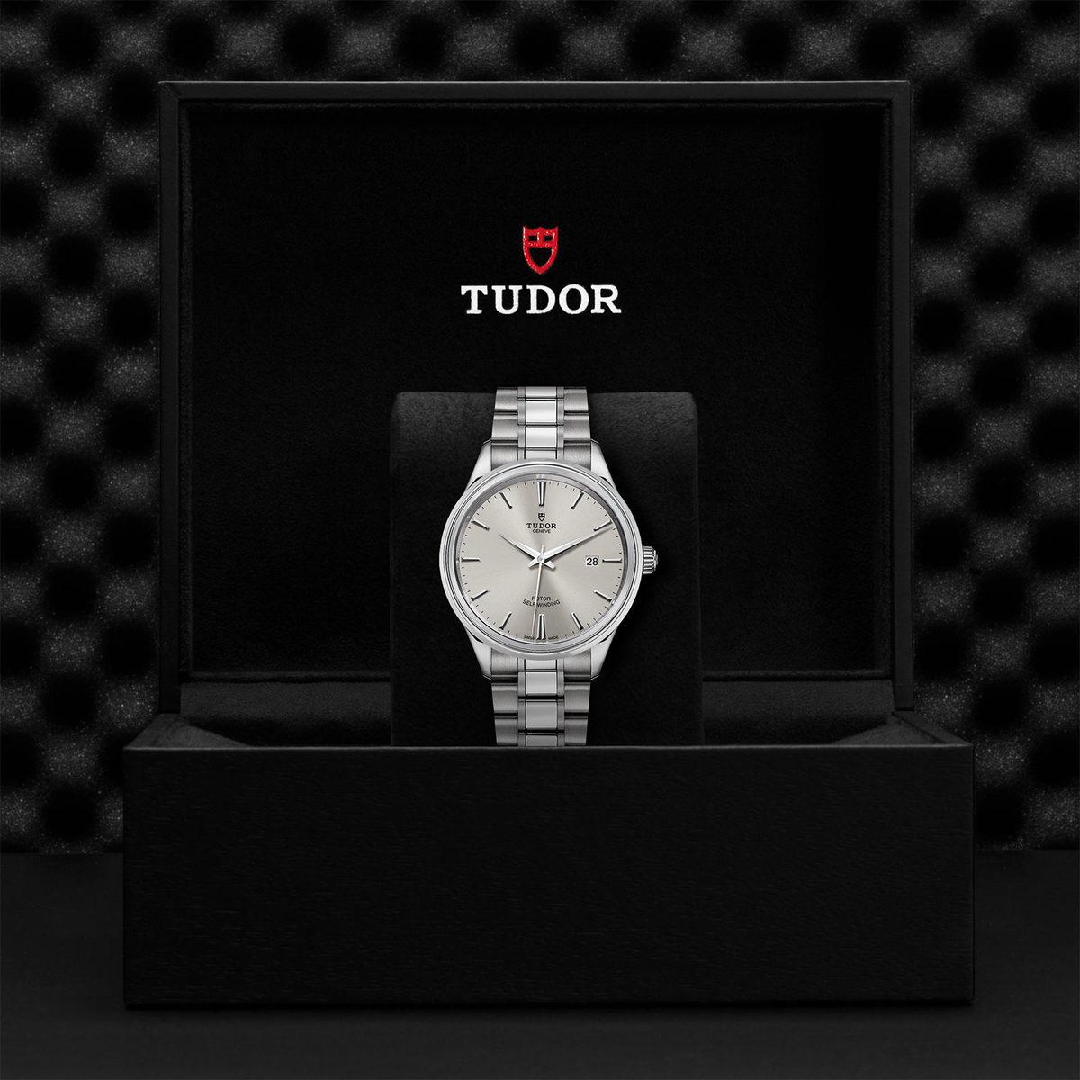 Tudor Style M12700-0001