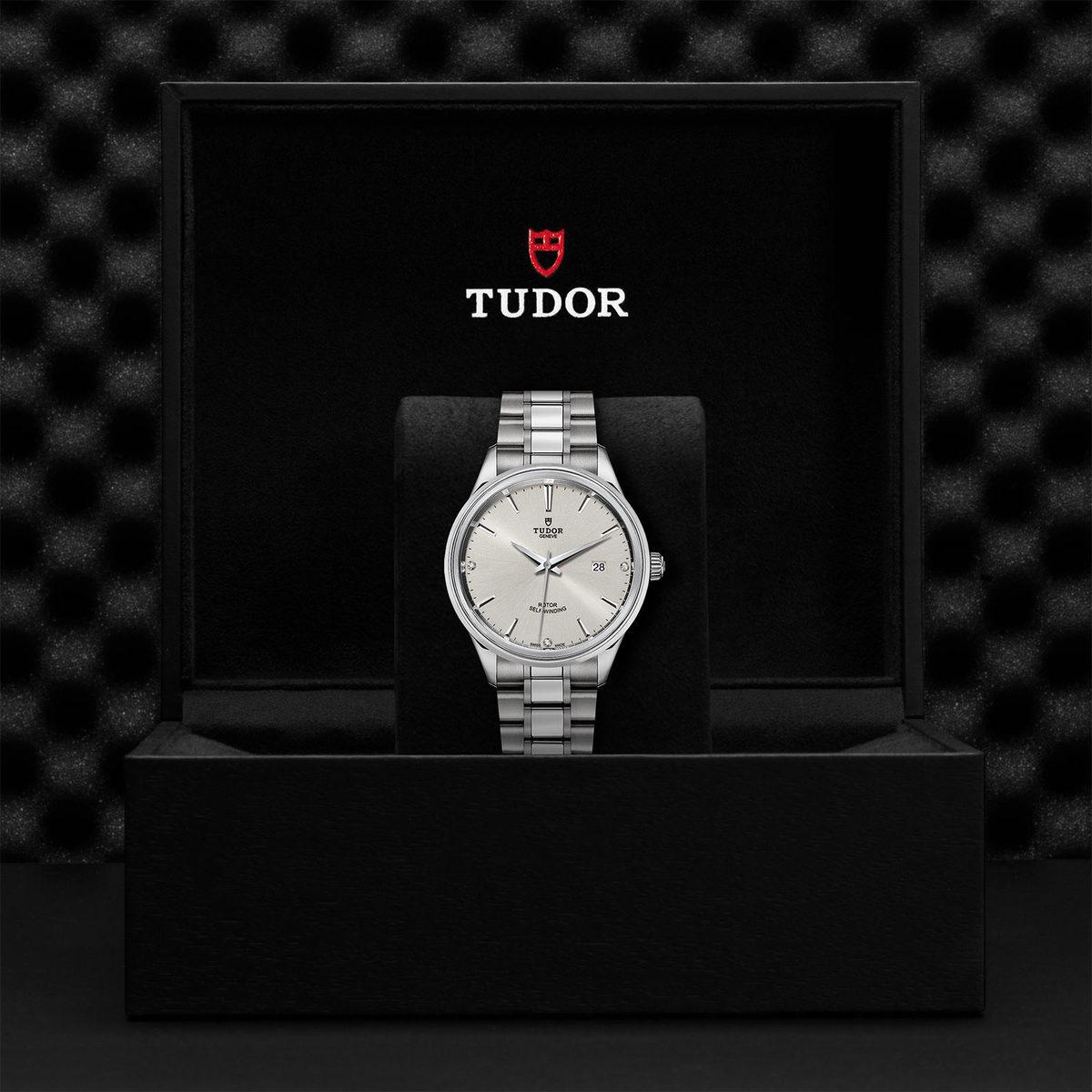 Tudor Style M12700-0003