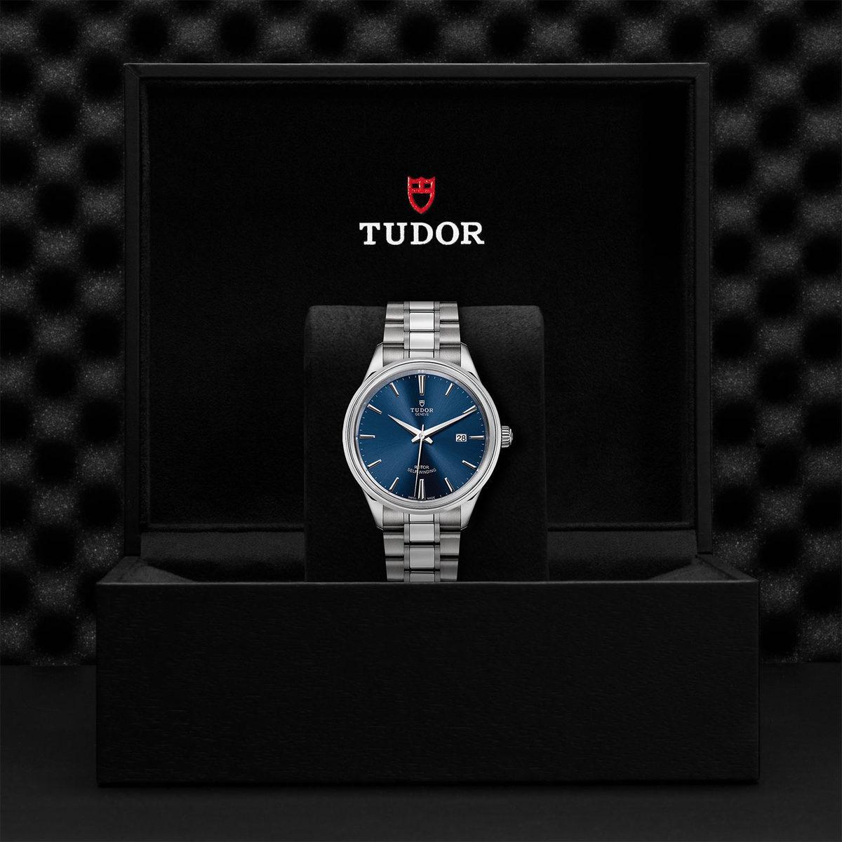 Tudor Style M12700-0009