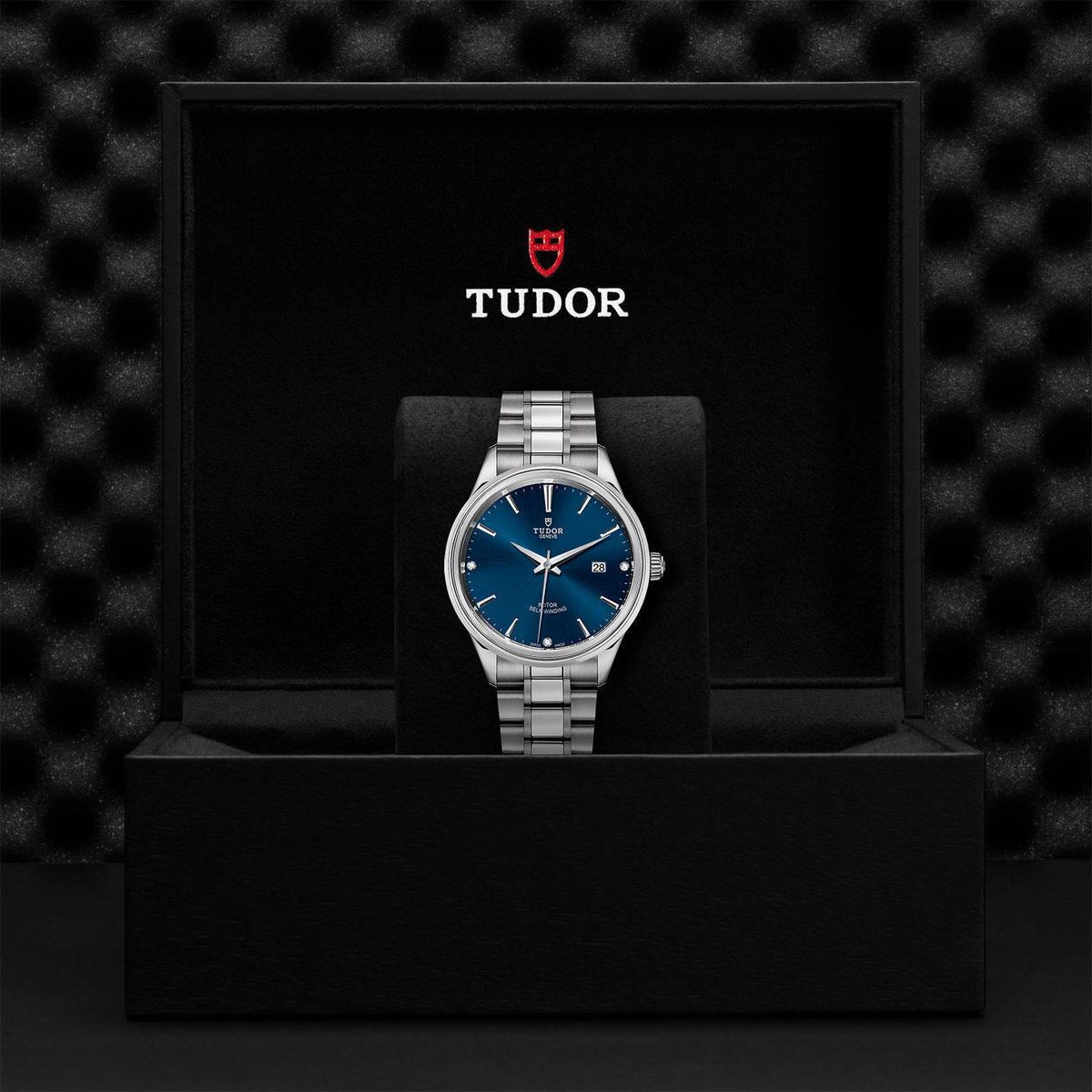 Tudor Style M12700-0013