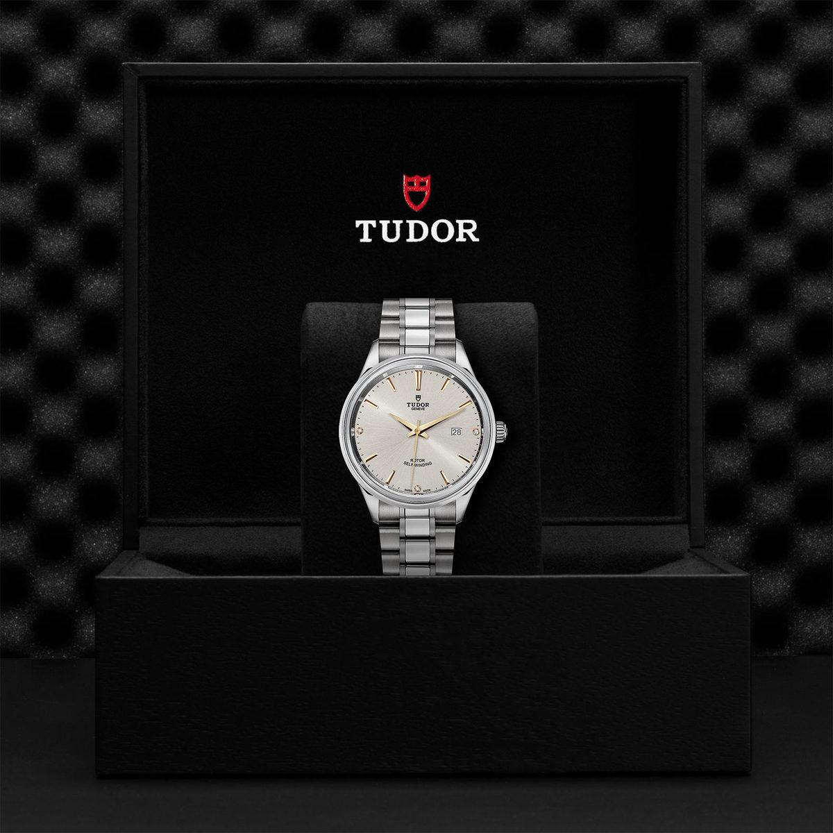 Tudor Style M12700-0019