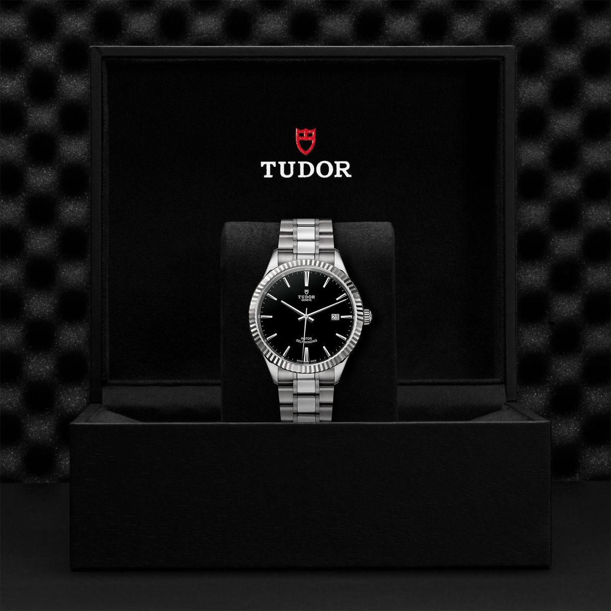Tudor Style M12710-0003