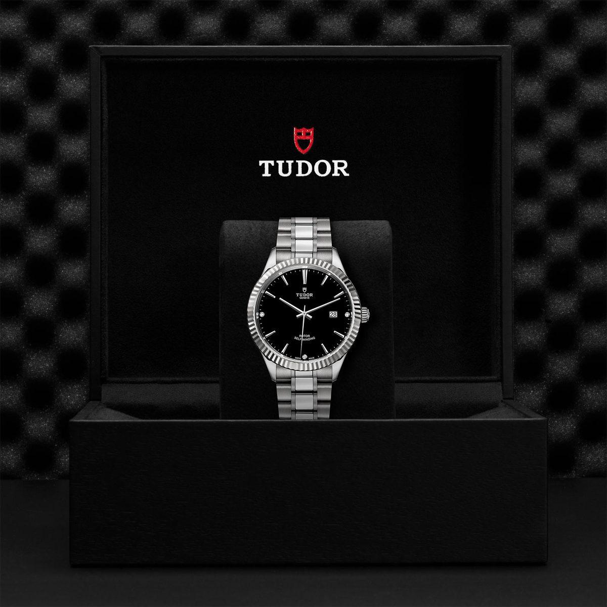 Tudor Style M12710-0009