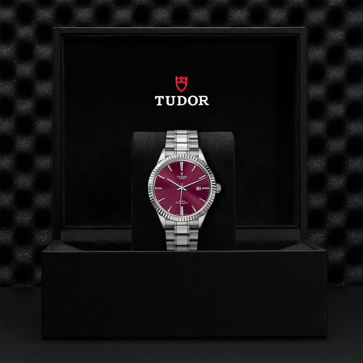 Tudor Style M12710-0015