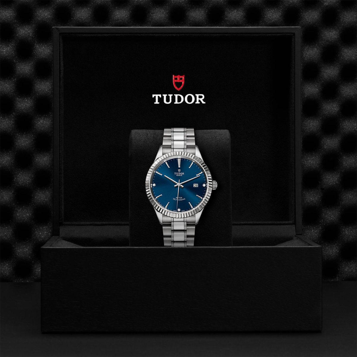 Tudor Style M12710-0017